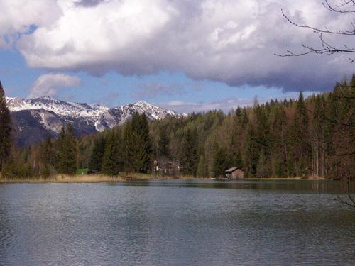 WanderregionPyhrn-Priel-schneebedecktesSengsengebirgeimHintergrund